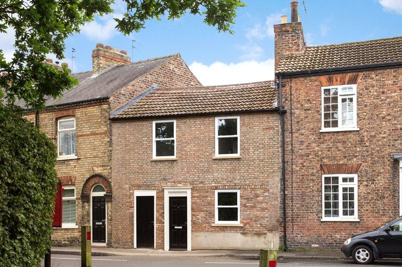 2 Bedrooms Terraced House for sale in School Lane, Fulford, York, YO10
