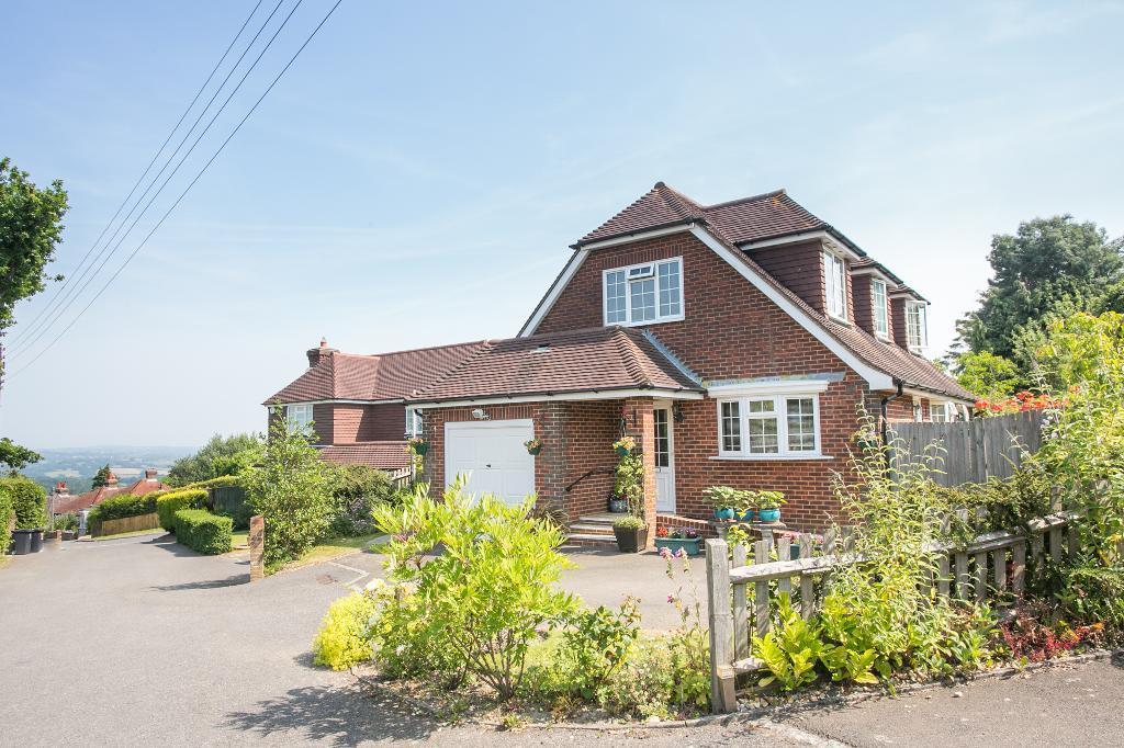 3 Bedrooms Detached House for sale in Broadhill Close, Broad Oak, Heathfield, East Sussex, TN21 8SG