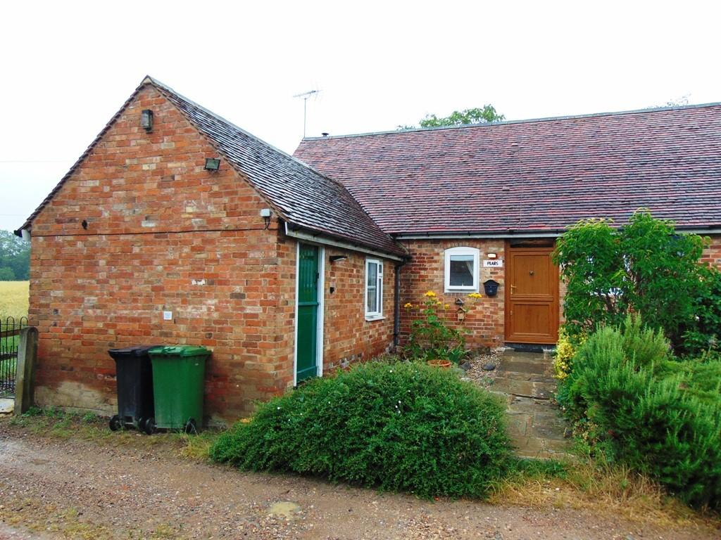 4 Bedrooms Barn Conversion Character Property for sale in Worcester Road, Abbey Manor Farm