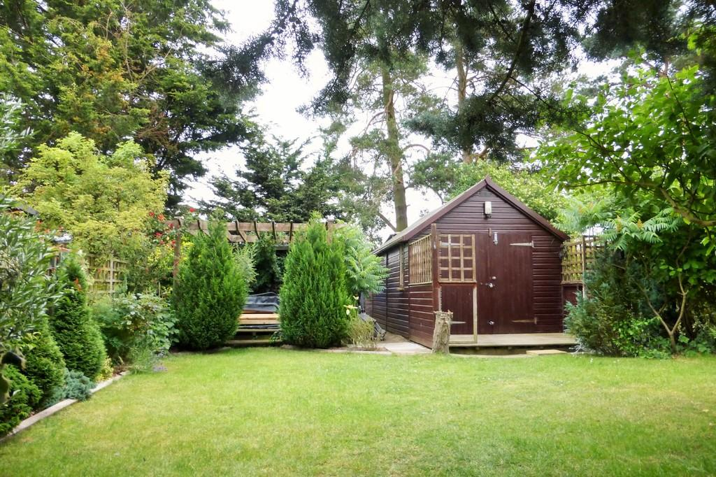 3 Bedrooms Town House for sale in Loddon
