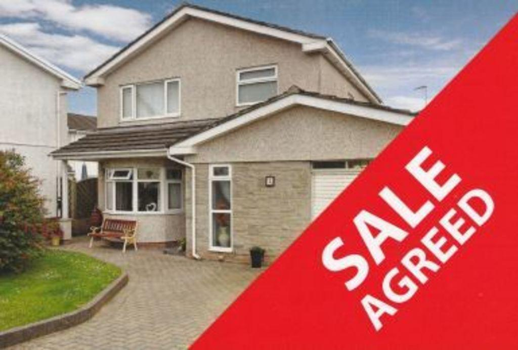 3 Bedrooms Detached House for sale in STONECHAT CLOSE, REST BAY, PORTHCAWL, CF36 3QF