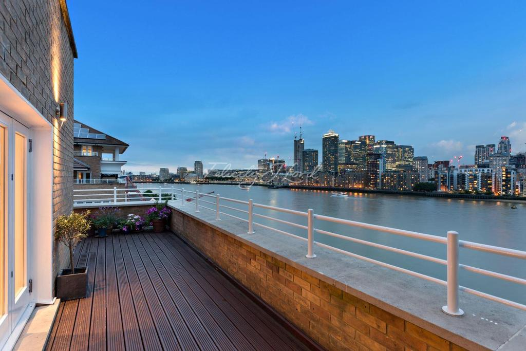 3 Bedrooms Flat for sale in New Caledonian Wharf, SE16