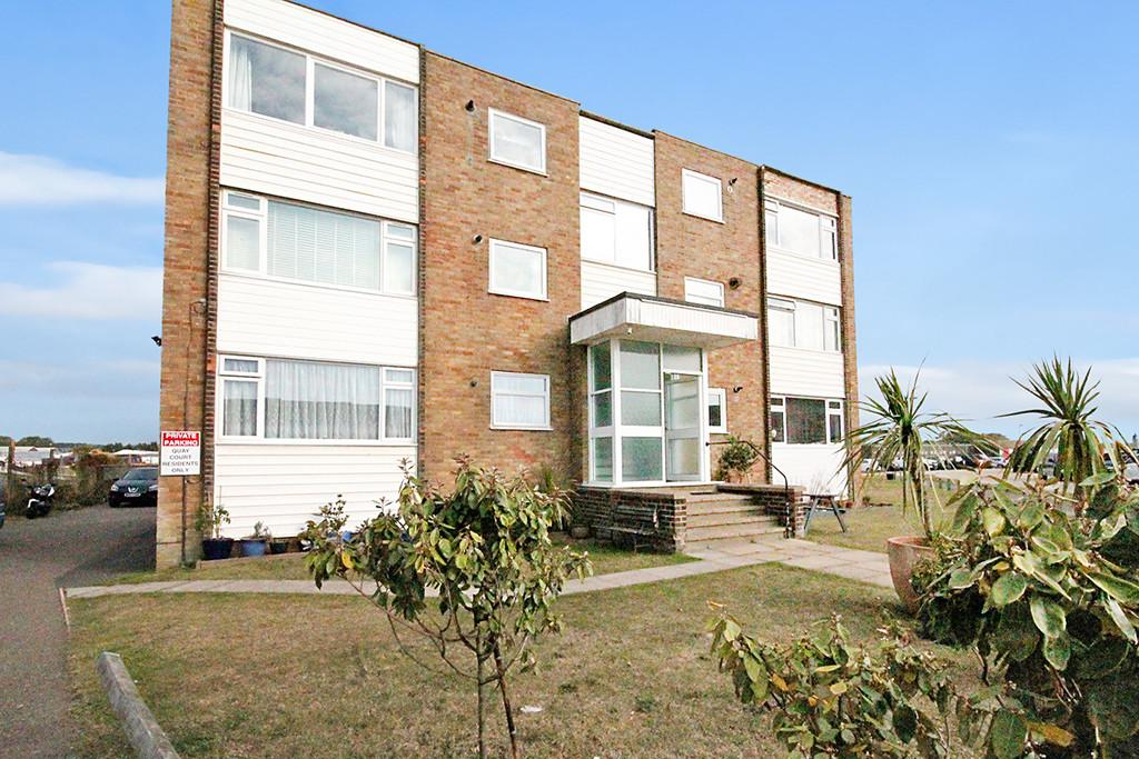 2 Bedrooms Ground Flat for sale in Quay Court, Harbour Way, Shoreham-by-Sea, BN43 5HZ