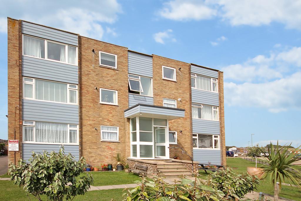 2 Bedrooms Ground Flat for sale in Quay Court, Harbour Way, Shoreham-by-Sea, BN43 5HZ