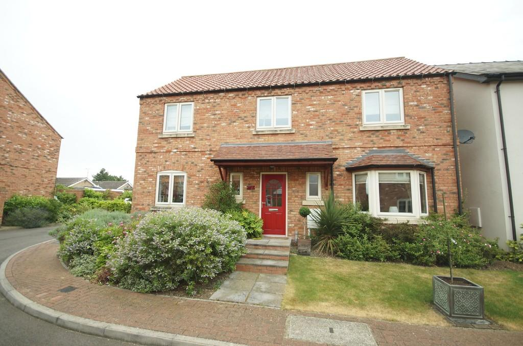 4 Bedrooms Detached House for sale in Lime Crescent, North Greetwell, Lincoln