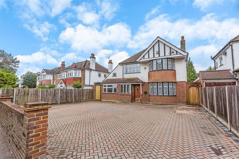 5 Bedrooms Detached House for sale in Smitham Bottom Lane, Purley