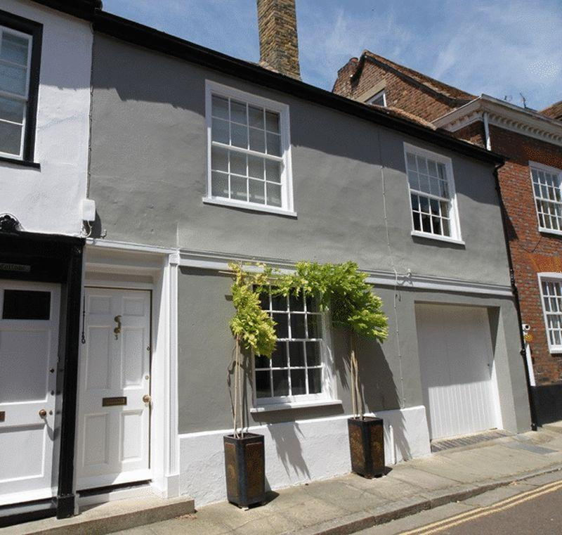 3 Bedrooms Unique Property for sale in Bowling Street, Sandwich