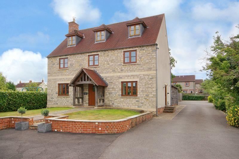 5 Bedrooms Detached House for sale in Townwell, Wotton-Under-Edge, GL12 8AQ