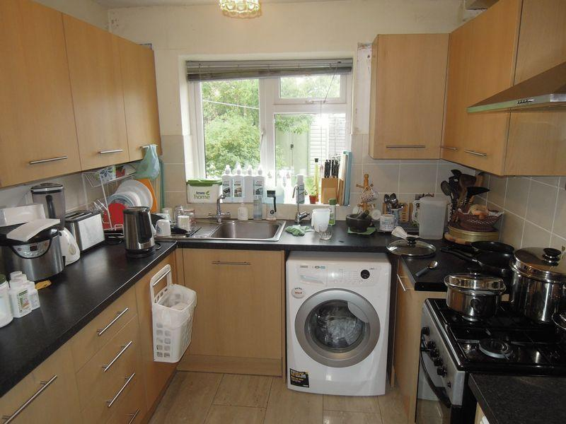 3 Bedrooms End Of Terrace House for sale in Swabey Road, Langley