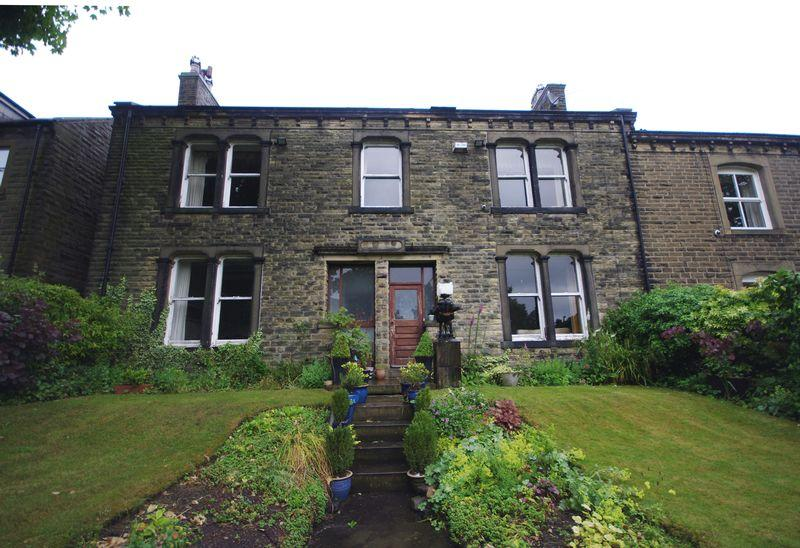 5 Bedrooms Semi Detached House for sale in Rockville, Stainland Road, Stainland, HX4 9EH