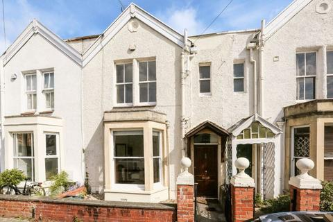 3 bedroom terraced house for sale - Queen Victoria Road, Westbury Park