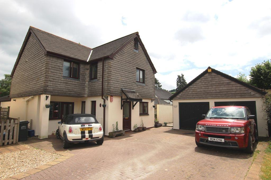 5 Bedrooms Detached House for sale in Ashburton