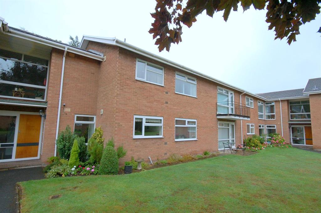 2 Bedrooms Apartment Flat for sale in Mere Court, Alsager