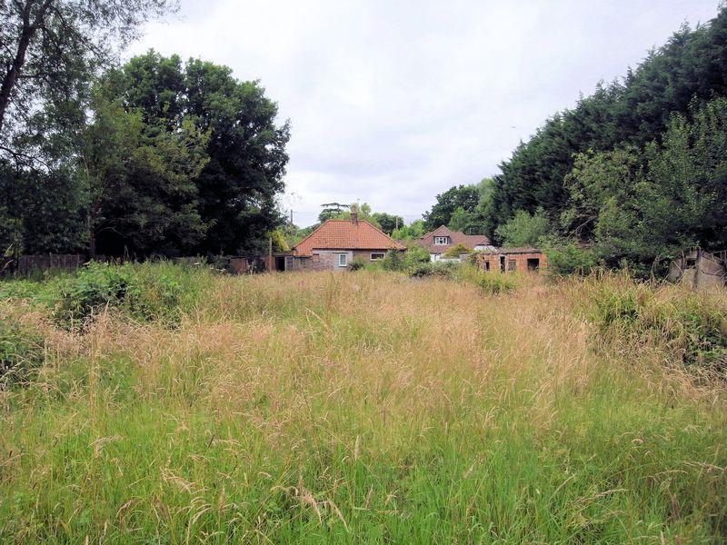 2 Bedrooms Land Commercial for sale in Normandy, Guildford