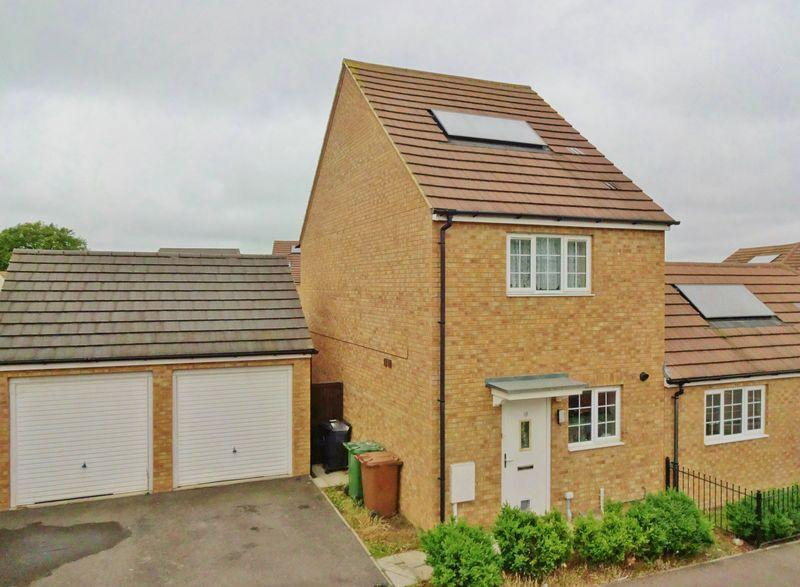 2 Bedrooms Semi Detached House for sale in Olympic Square, Corby