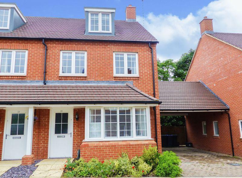 3 Bedrooms Semi Detached House for sale in Clayton Road, Lane End.