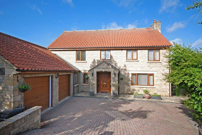 5 Bedrooms Detached House for sale in Station Road, Castle Cary