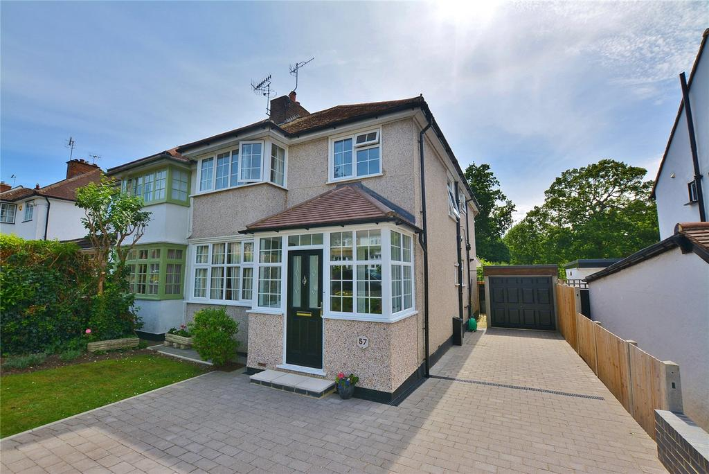 4 Bedrooms Semi Detached House for sale in Chiltern Avenue, Bushey, Hertfordshire, WD23