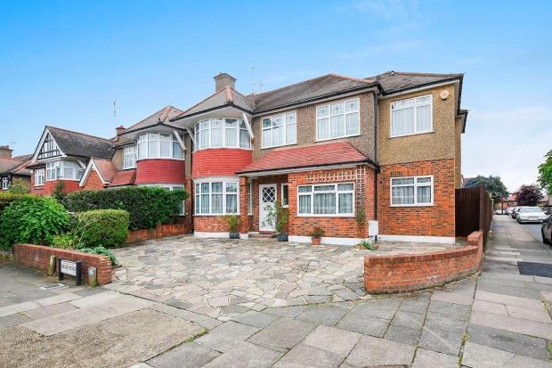 5 Bedrooms Semi Detached House for sale in Harrow Briar Road, Harrow, HA3