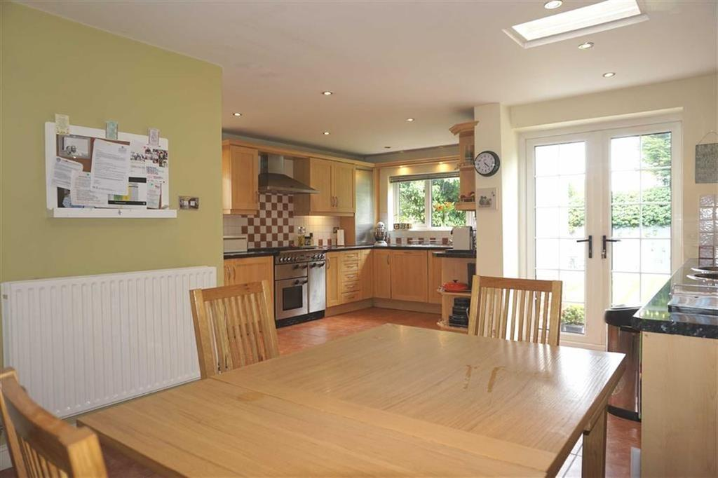 4 Bedrooms Detached House for sale in Dovedale Road, Stoneygate, Leicester