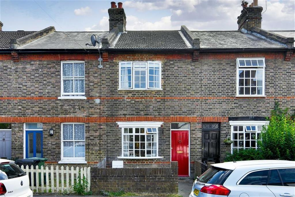 2 Bedrooms Terraced House for sale in Albert Road, Epsom, Surrey