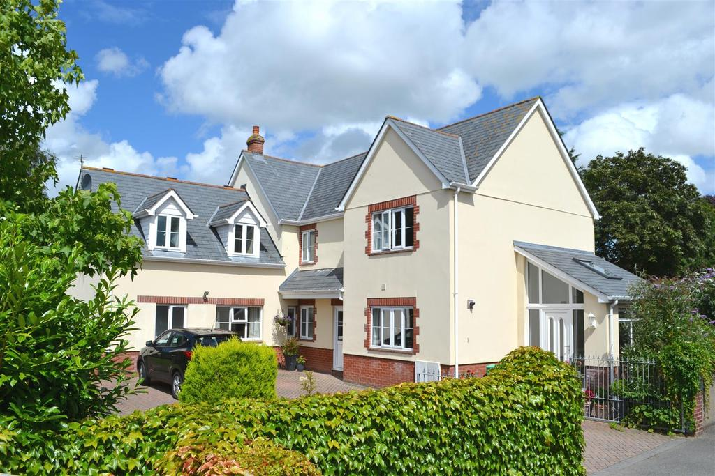 5 Bedrooms Detached House for sale in Bishops Tawton Road, Barnstaple