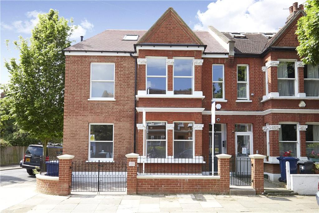 4 Bedrooms Semi Detached House for sale in Hatfield Road, Chiswick, London, W4
