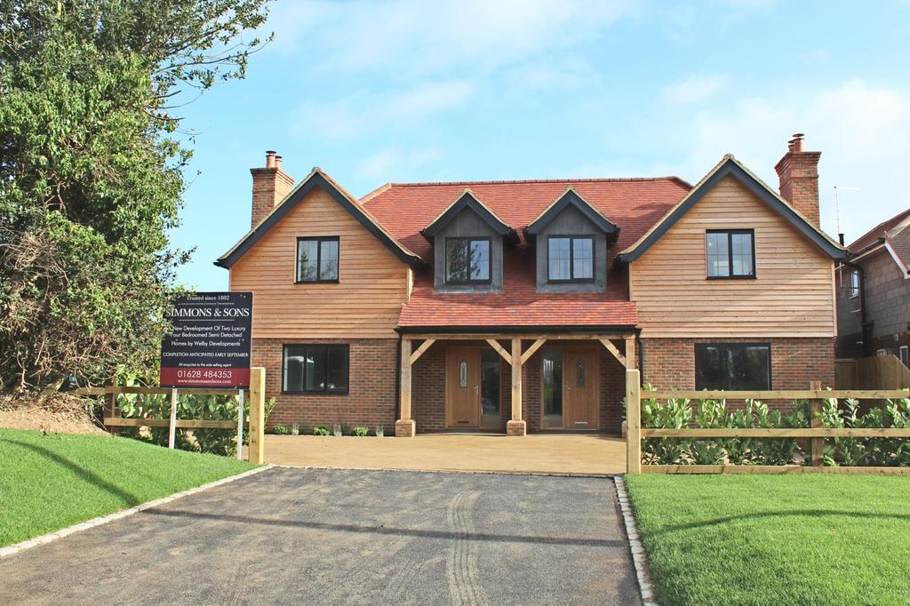 4 Bedrooms House for sale in Hill Farm Road, Marlow Bottom