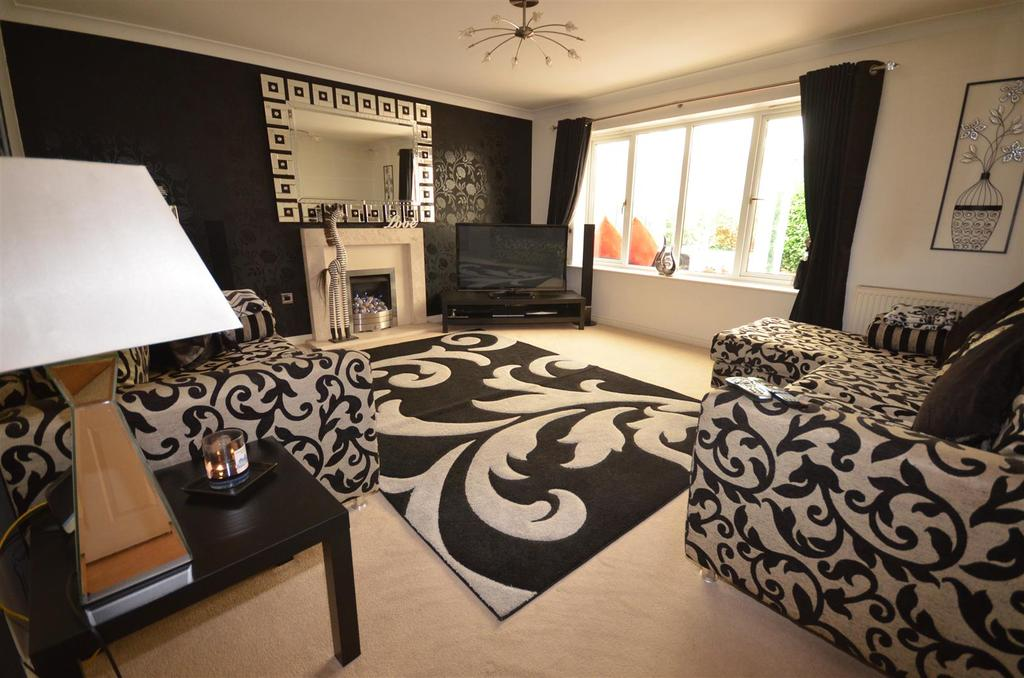 4 Bedrooms Detached House for sale in Prince Albert Court, St. Helens
