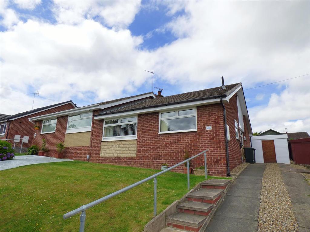 2 Bedrooms Semi Detached Bungalow for sale in Headlands Close, Liversedge