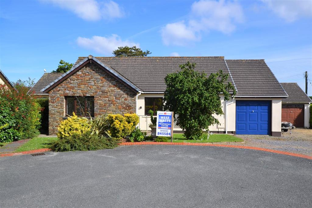 3 Bedrooms Detached Bungalow for sale in Scandinavia Heights, Saundersfoot