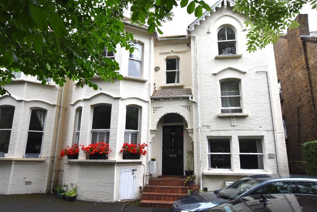 1 Bedroom Flat for sale in Kidbrooke Park Road London SE3