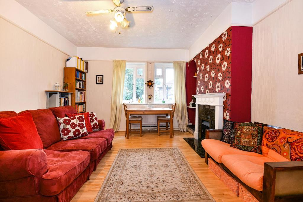 2 Bedrooms Flat for sale in Cowden Street, Catford, SE6