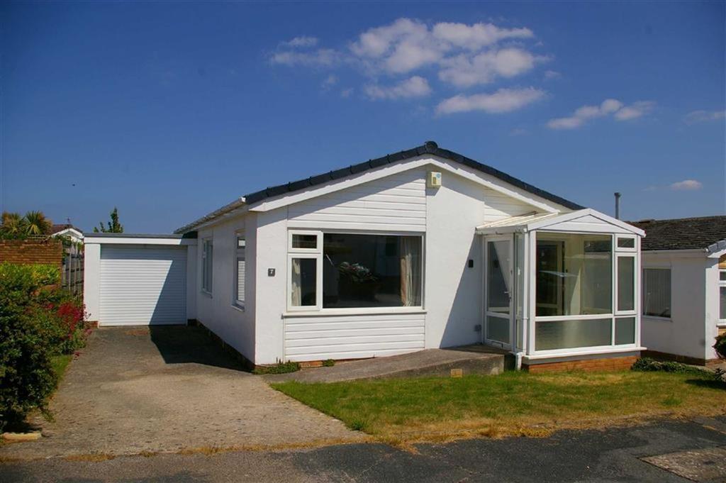 2 Bedrooms Detached Bungalow for sale in Craig Drive, Penrhyn Bay, Llandudno