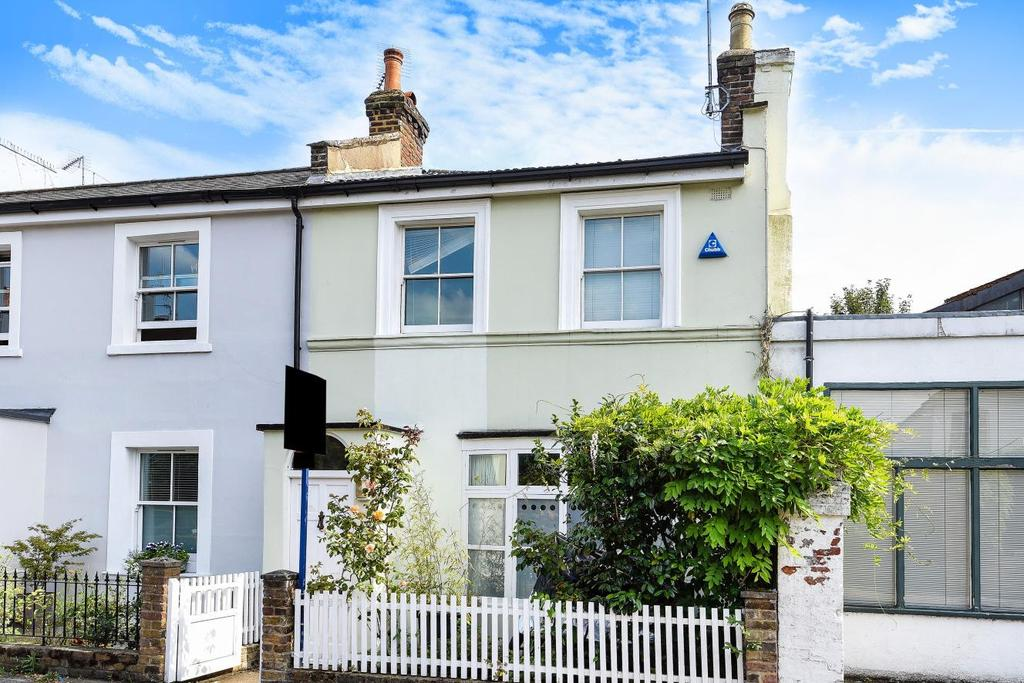 2 Bedrooms Terraced House for sale in Wellesley Avenue, Brackenbury Village, Hammersmith