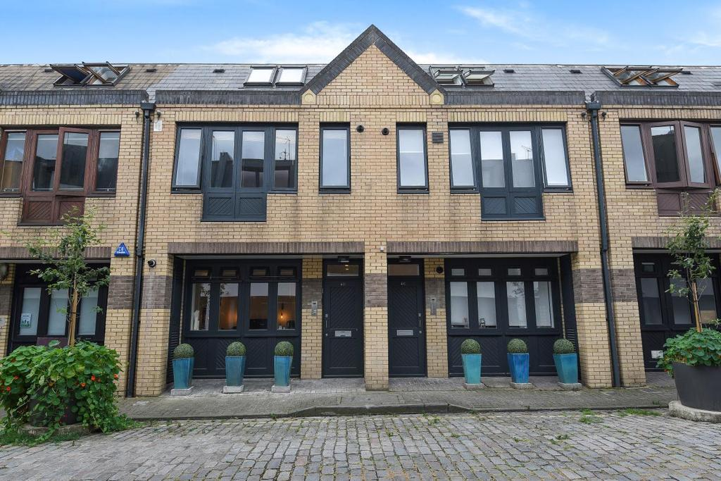 2 Bedrooms Flat for sale in Shirland Mews, Maida Vale