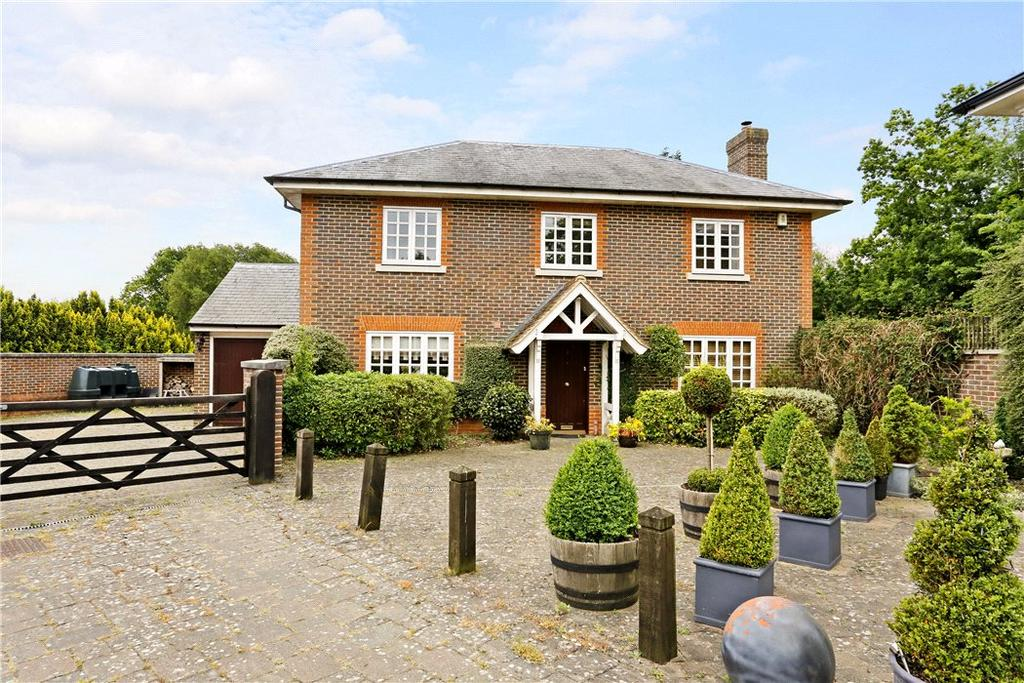 3 Bedrooms Detached House for sale in Brownlow Gate, Little Gaddesden, Berkhamsted, Hertfordshire, HP4