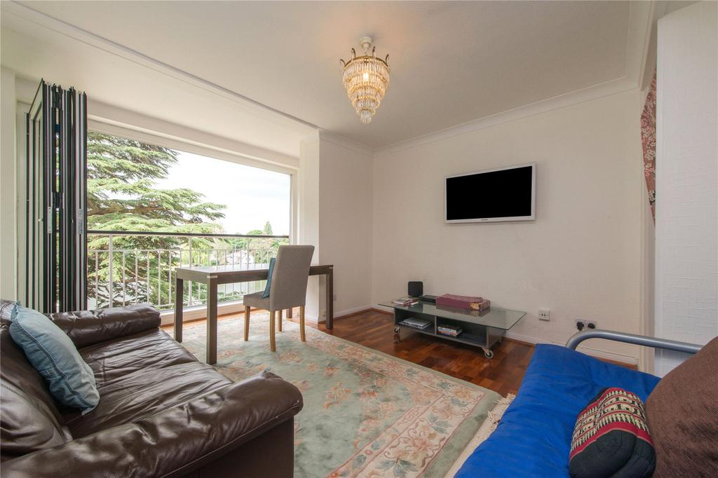 2 Bedrooms Flat for sale in Ulster Court, Albany Park Road, Kingston Upon Thames, Surrey