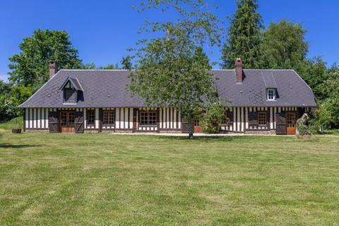 4 bedroom detached house  - 17th Century Normandy House, Lisieux, Normandy