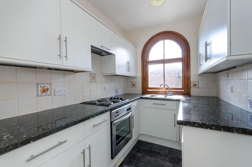2 Bedrooms Flat for sale in High Street, Boroughbridge, York