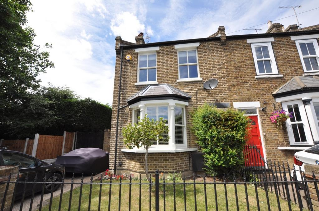 3 Bedrooms Cottage House for sale in Bell Common, Epping, CM16