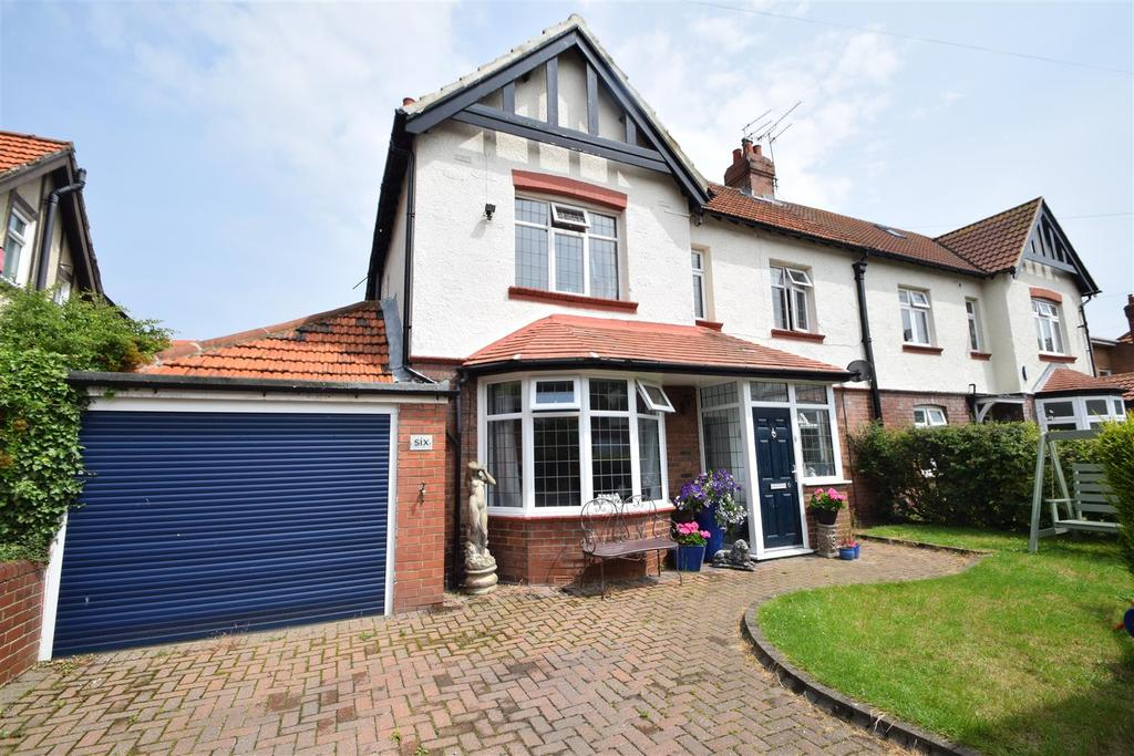 4 Bedrooms Semi Detached House for sale in St. Georges Crescent, Monkseaton