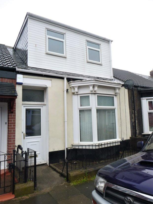 3 Bedrooms Terraced Bungalow for sale in CAIRO STREET, HENDON, SUNDERLAND SOUTH