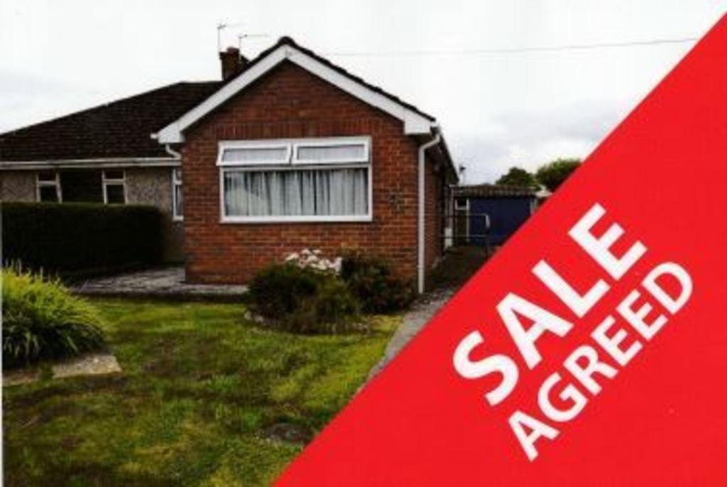 2 Bedrooms Semi Detached Bungalow for sale in MAES YR HAF ROAD, BROADLANDS, NORTH CORNELLY, CF33 4ER