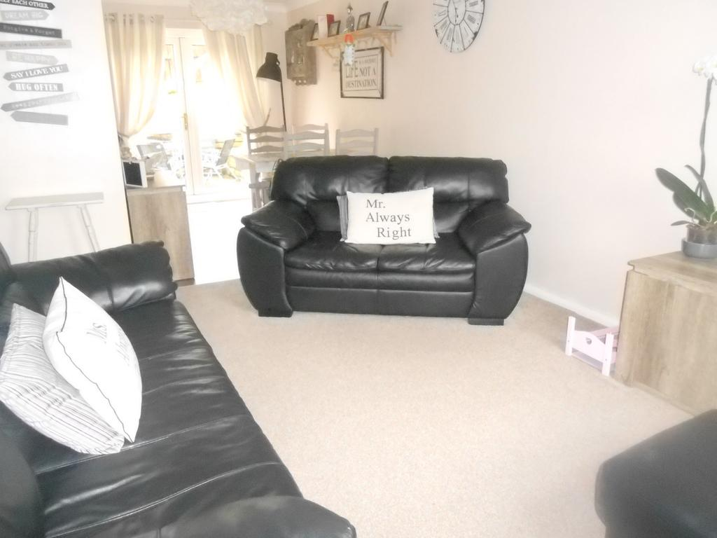 3 Bedrooms Detached House for sale in Seven Acres, Denholme BD13
