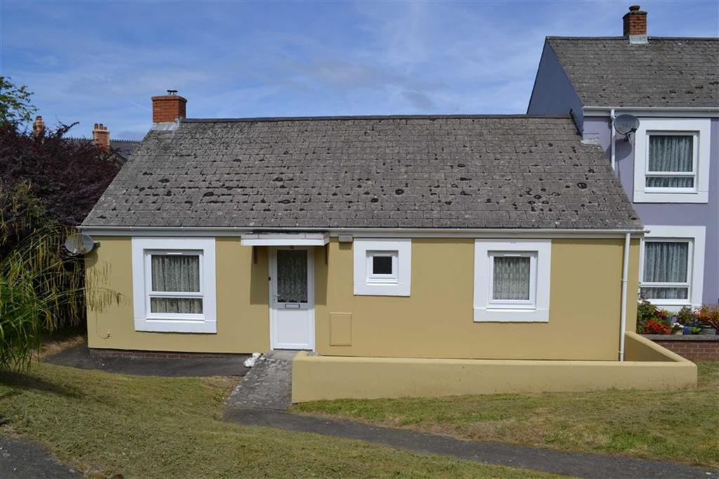 2 Bedrooms Semi Detached Bungalow for sale in Cwmifor, New Quay, Ceredigion