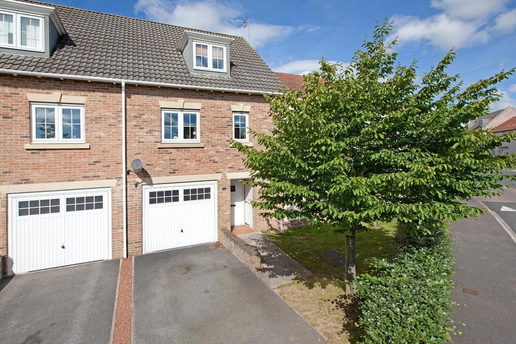 3 Bedrooms Semi Detached House for sale in Sterling Chase, Knaresborough