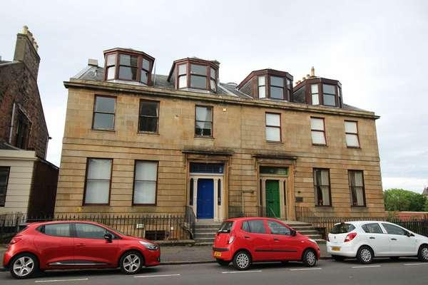 2 Bedrooms Flat for sale in Flat 3, 36 Union Street, Greenock, PA16 8DJ
