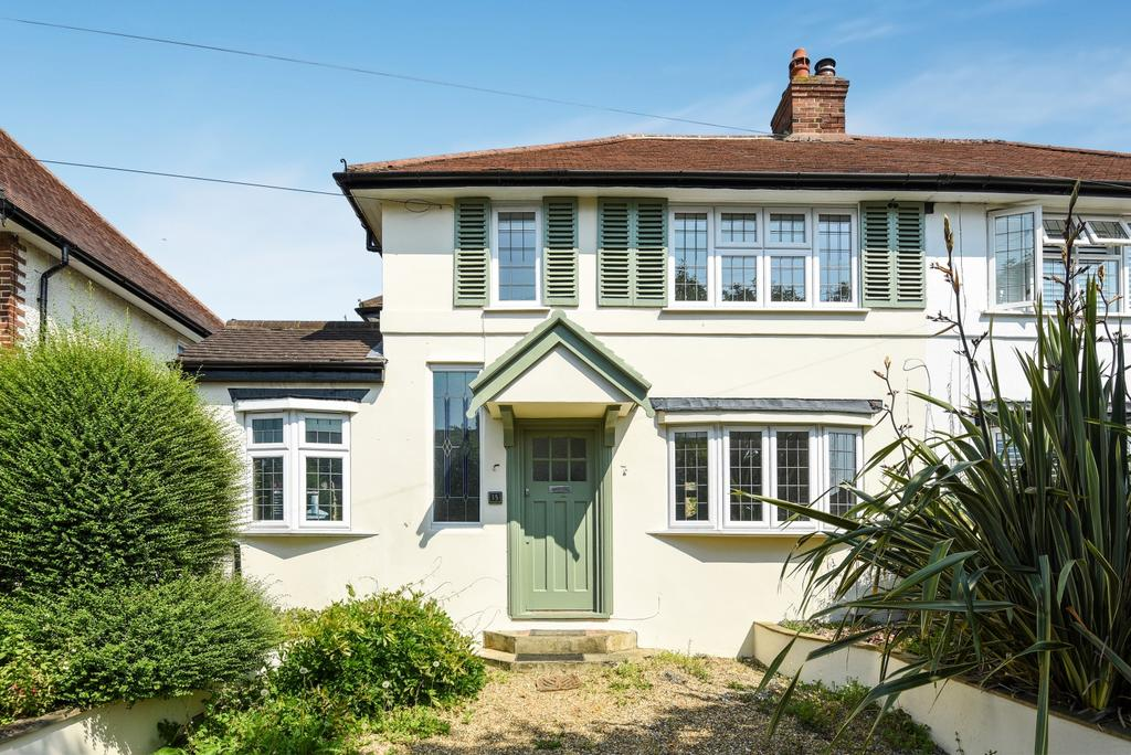 3 Bedrooms Semi Detached House for sale in Hambro Avenue Bromley BR2