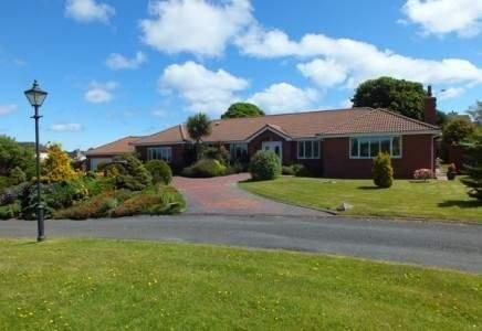 5 Bedrooms Detached House for sale in Highland Westhill Village, Jurby Road, North, IM8 3TD
